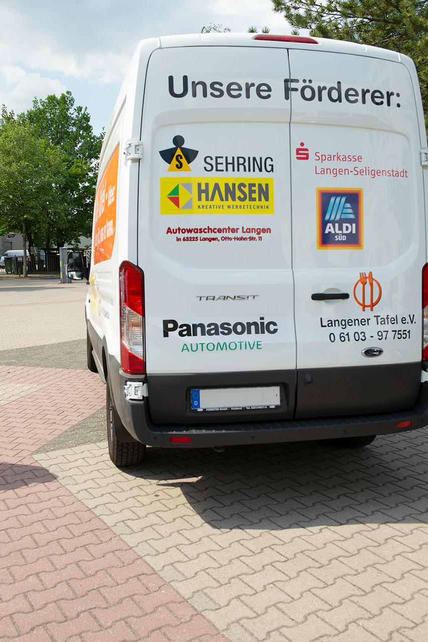 langener-tafel-spende-panasonic-automotive-langen-germany-charity-2018-012-web