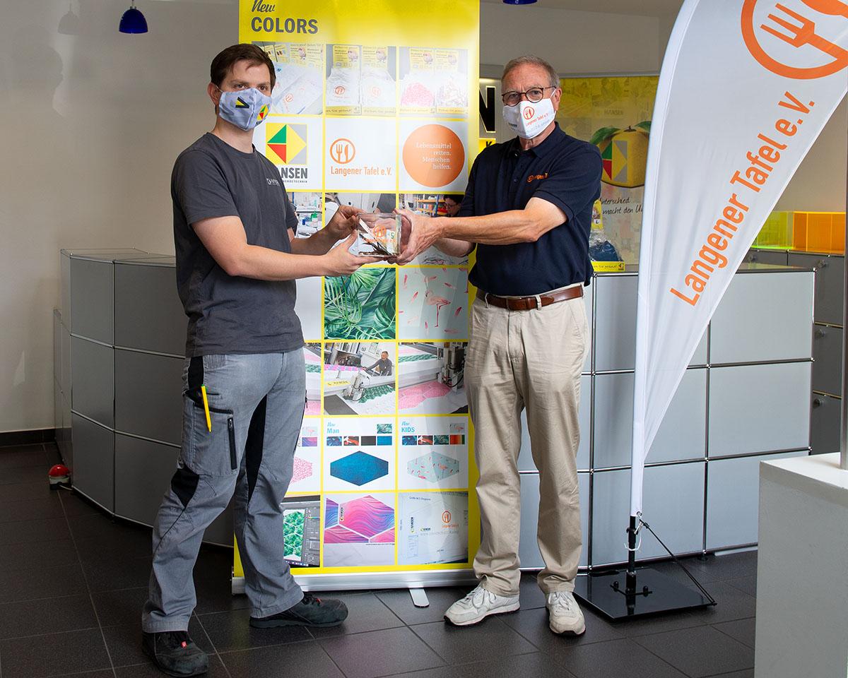 langener-tafel-hansen-werbetechnik-spende-schutzmasken-2020-12-web