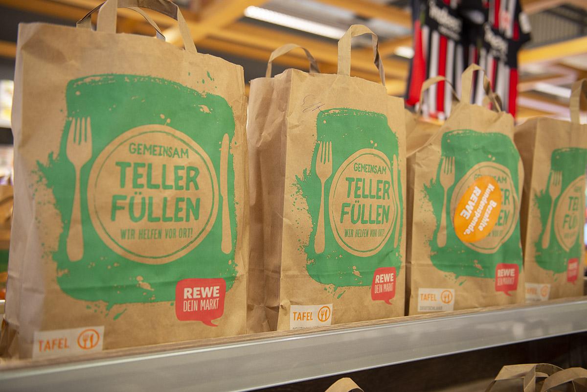 langener-tafel-rewe-center-egelsbach-tueten-aktion-2019-03-web