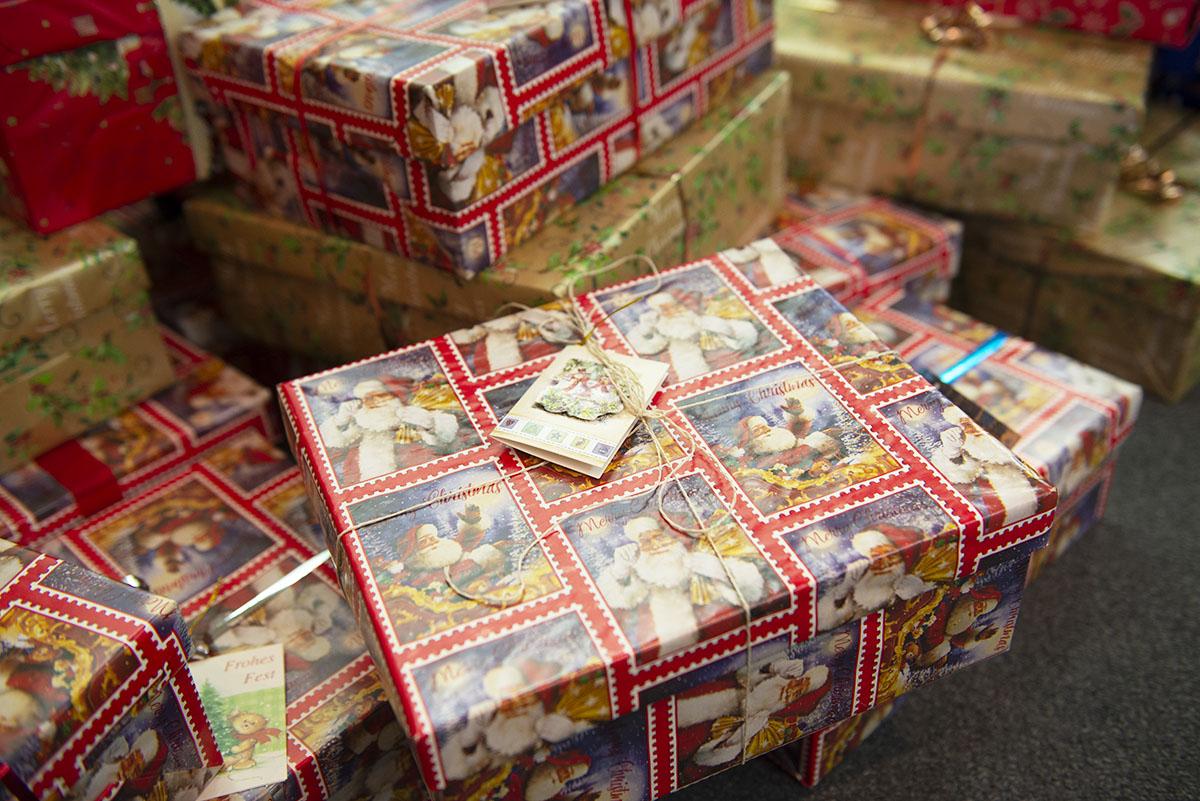 langener-tafel-sparkasse-langen-seligenstadt-spenden-weihnachten-kinder-2019-03-web