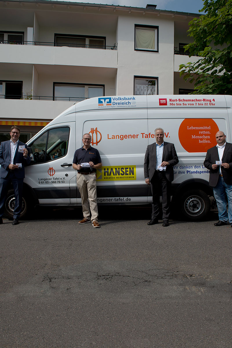 langener-tafel-dvag-deutsche-vermogensberatung-spende-schutzmasken-04-web