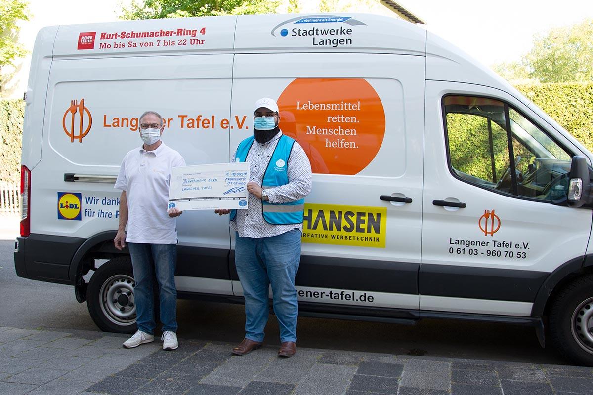 langener-tafel-humanity-first-spende-ehrenamt-einkaufsgutscheine-06-web