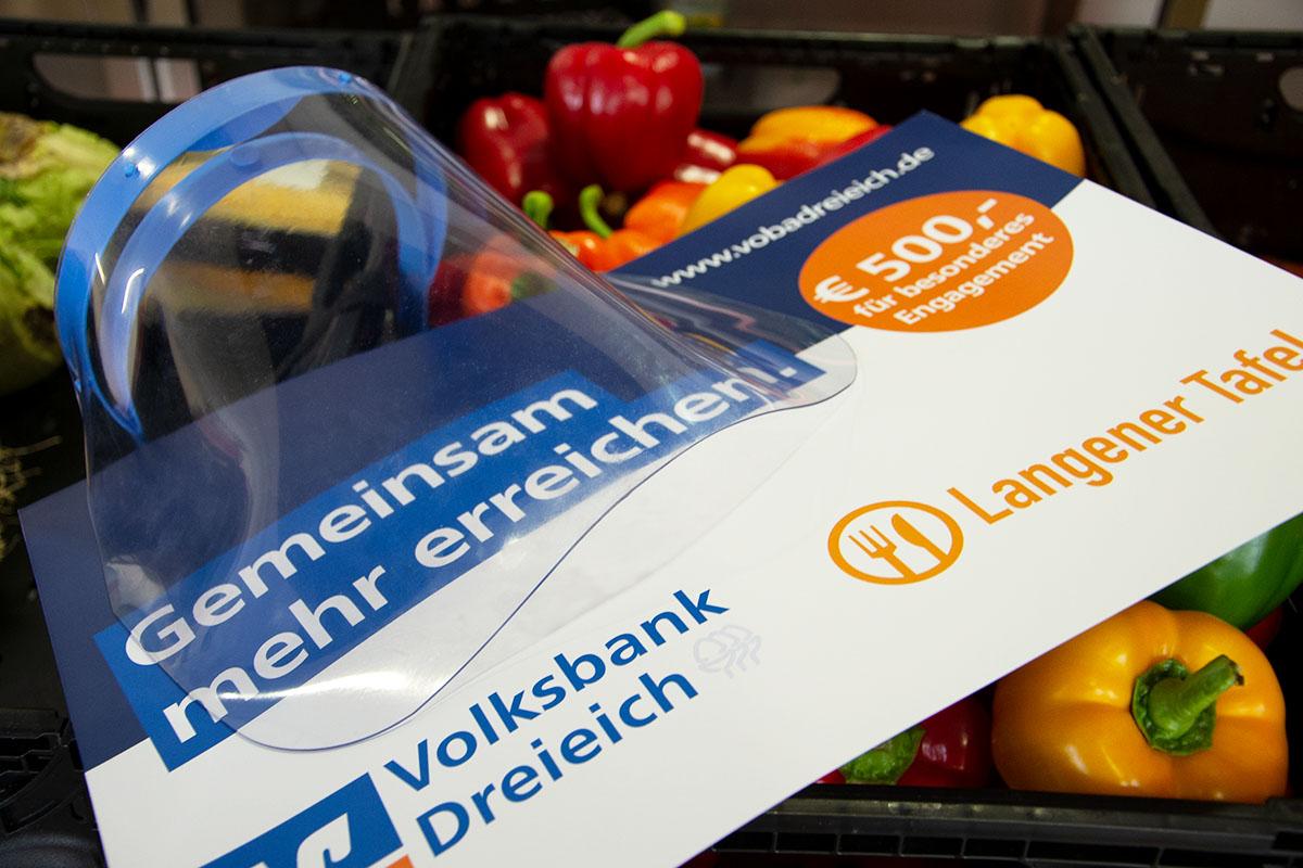langener-tafel-volksbank-dreieich-gutetaten-helfendehaende-spende-02
