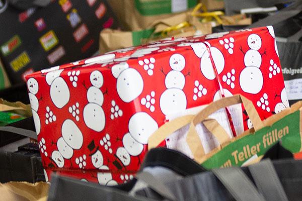 langener-tafel-weihnachtsgeschenke-kinder-2020-04