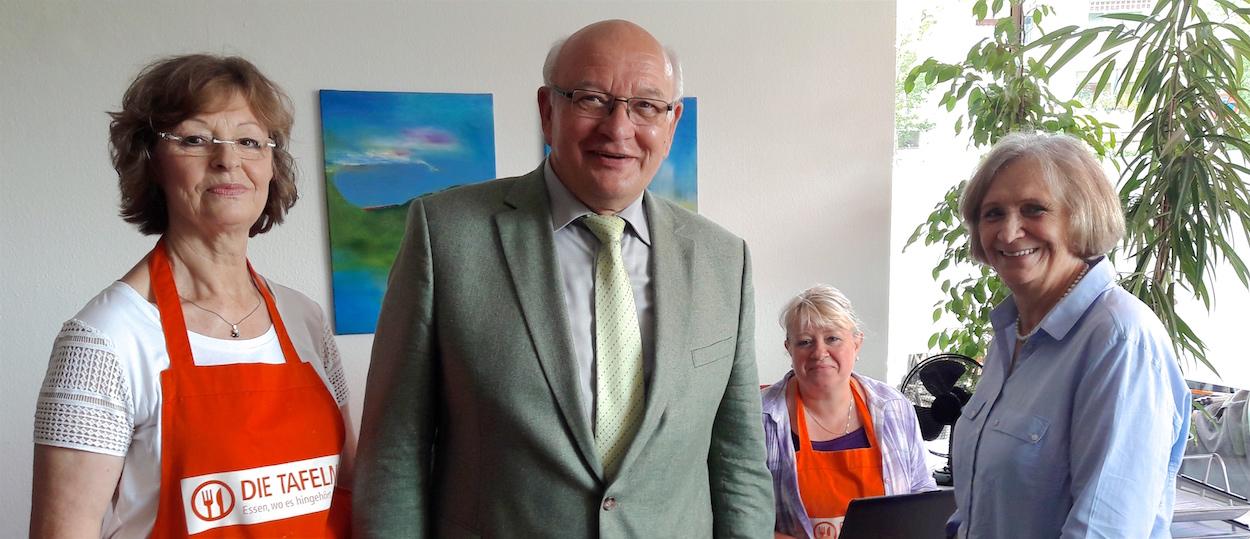 Langener Tafel Besuch Bürgermeister Gebhardt