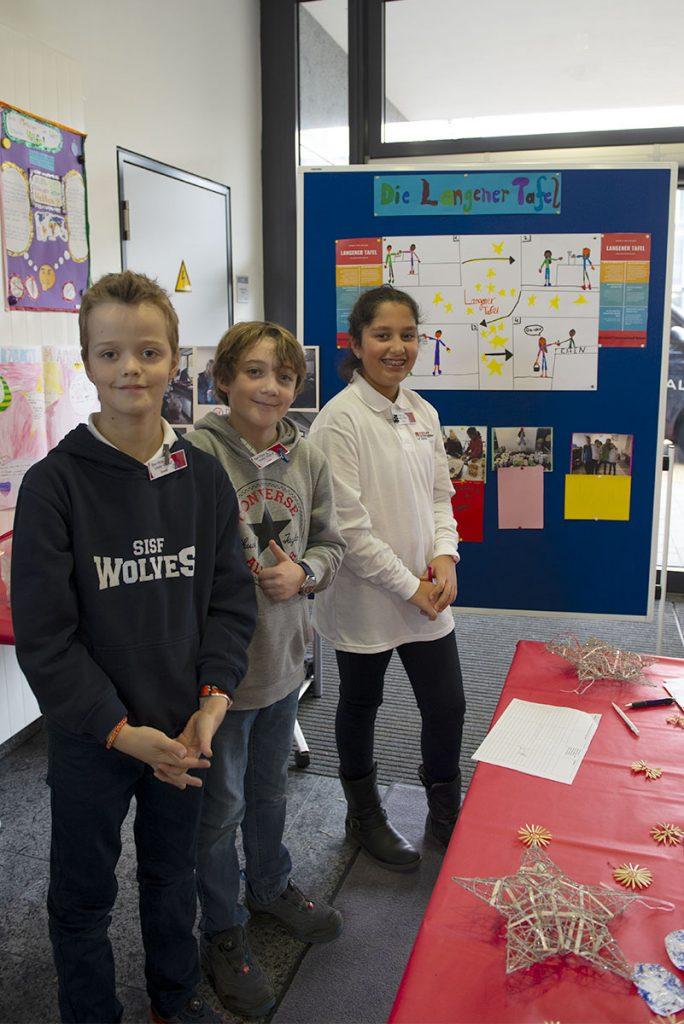 Langener Tafel Schüler der Strothoff International School Dreieich helfen