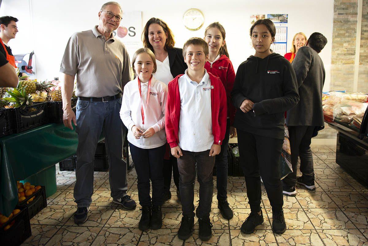 Langener Tafel freut sich über den Besuch der neuen Schüler*innen PYP5 Strothoff International School Dreieich