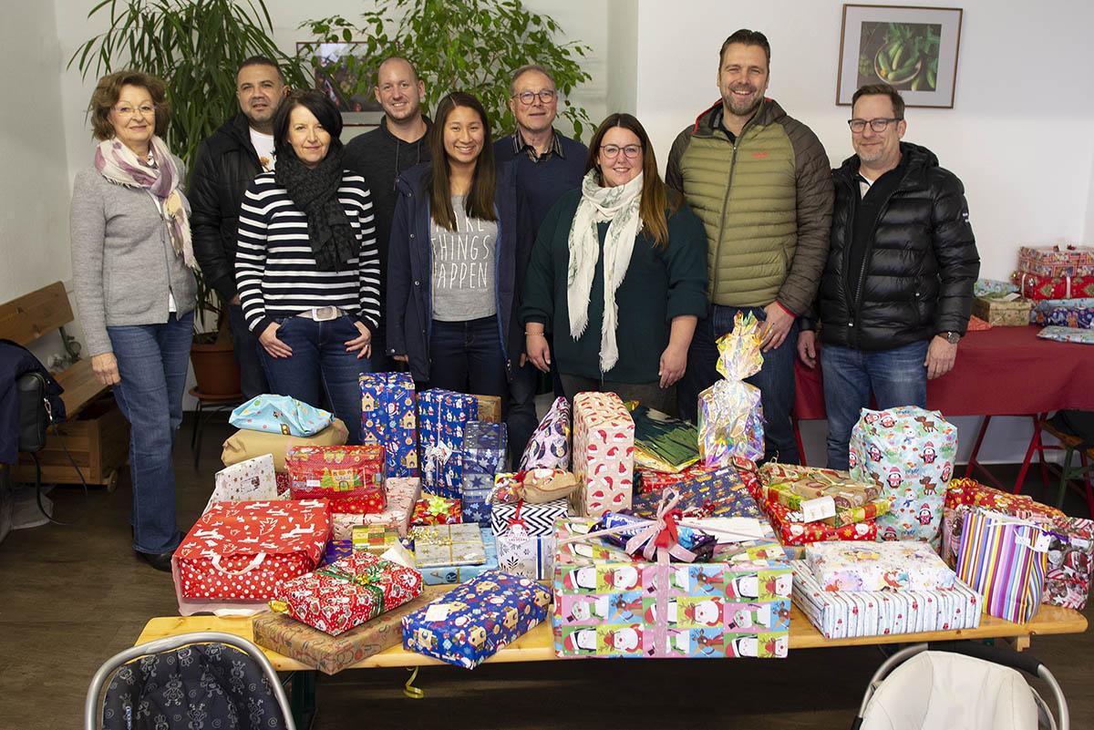 Langener Tafel NetApp Deutschland GmbH Spende Weihnachtsgeschenke Kinder