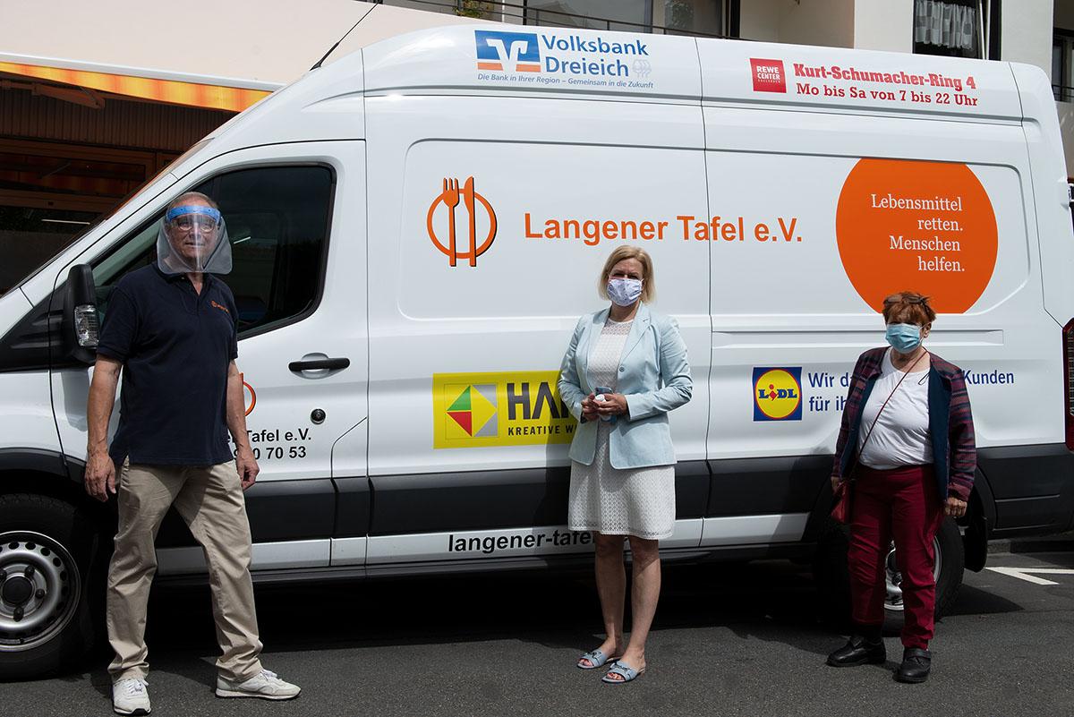Nancy Faeser Fraktionsvorsitzende Besuch Langener Tafel Günter Böhnel Langen Dreieich mit Landtagsabgeordneter Ulrike Alex